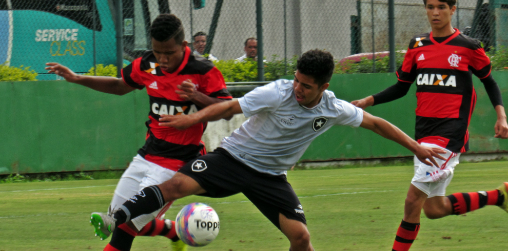 Carioca Sub-15 - 1º jogo da final 6b822aa2e3014
