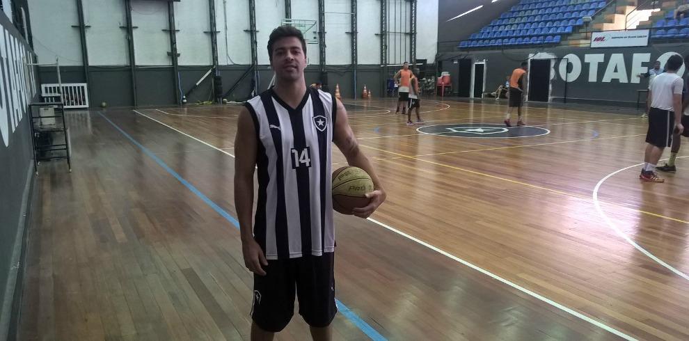 Novidades no basquete. Botafogo ... 7351eff934be8